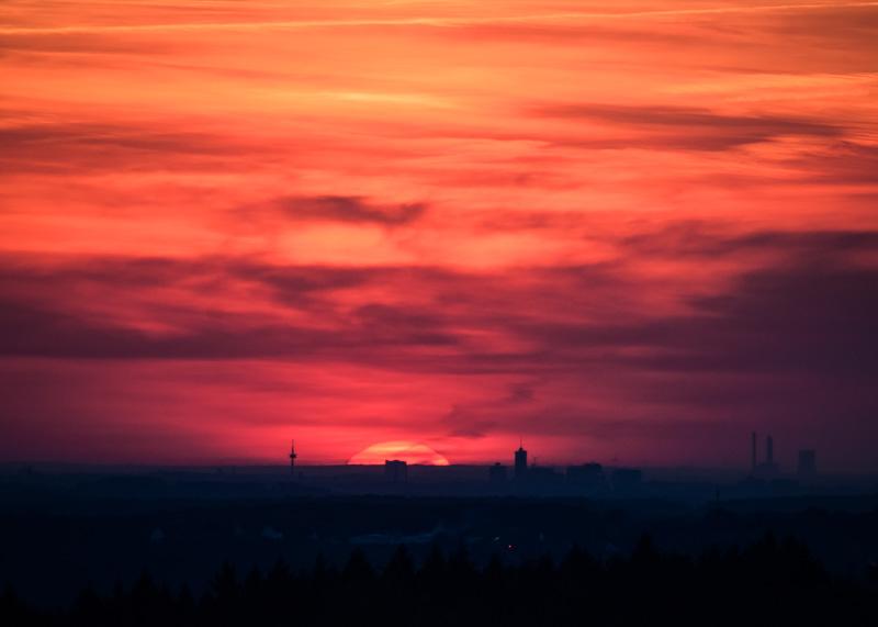 Tag 98 - Sonnenuntergang über dem Ruhrgebiet